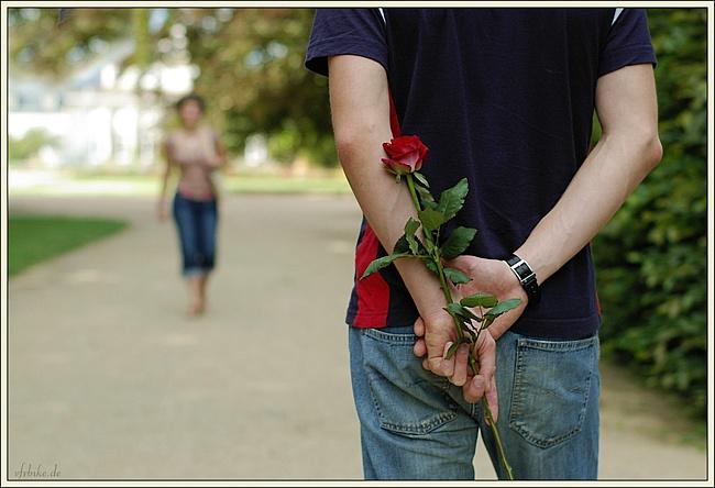 Как заставить мужчину пригласить тебя на свидание