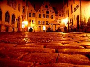Прогулка по ночной жизни Таллина